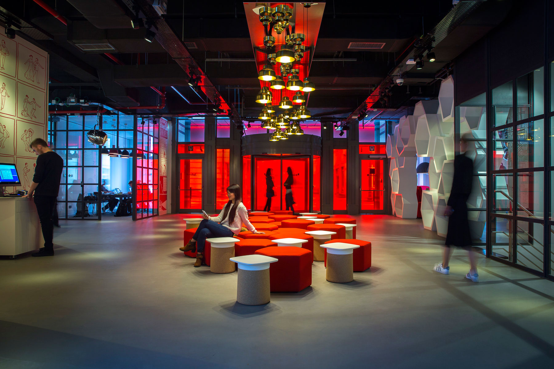 Graven 39 s brand approaches for radisson red graven for Top design hotels belgium