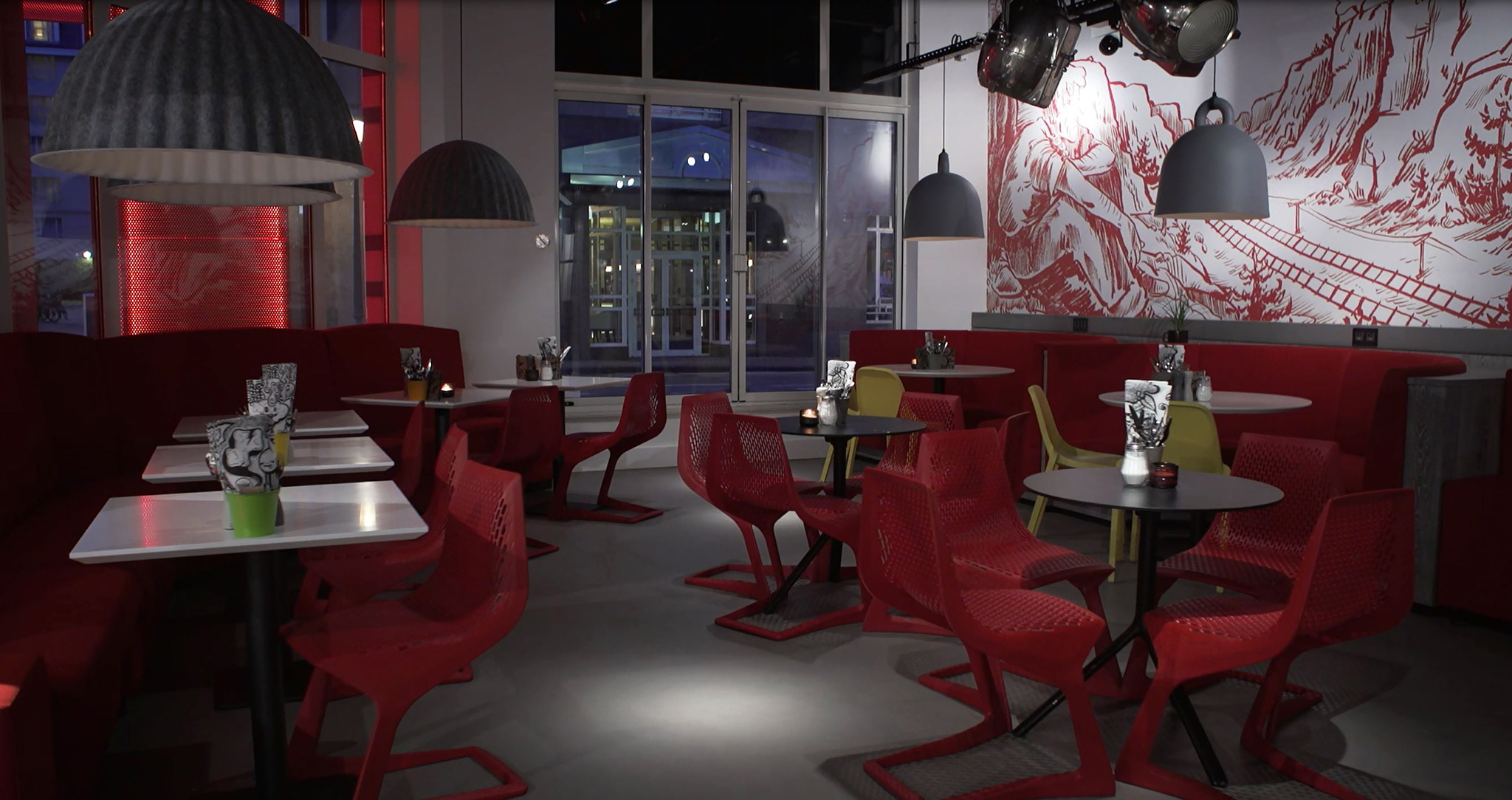 Radisson RED Brussels cafe